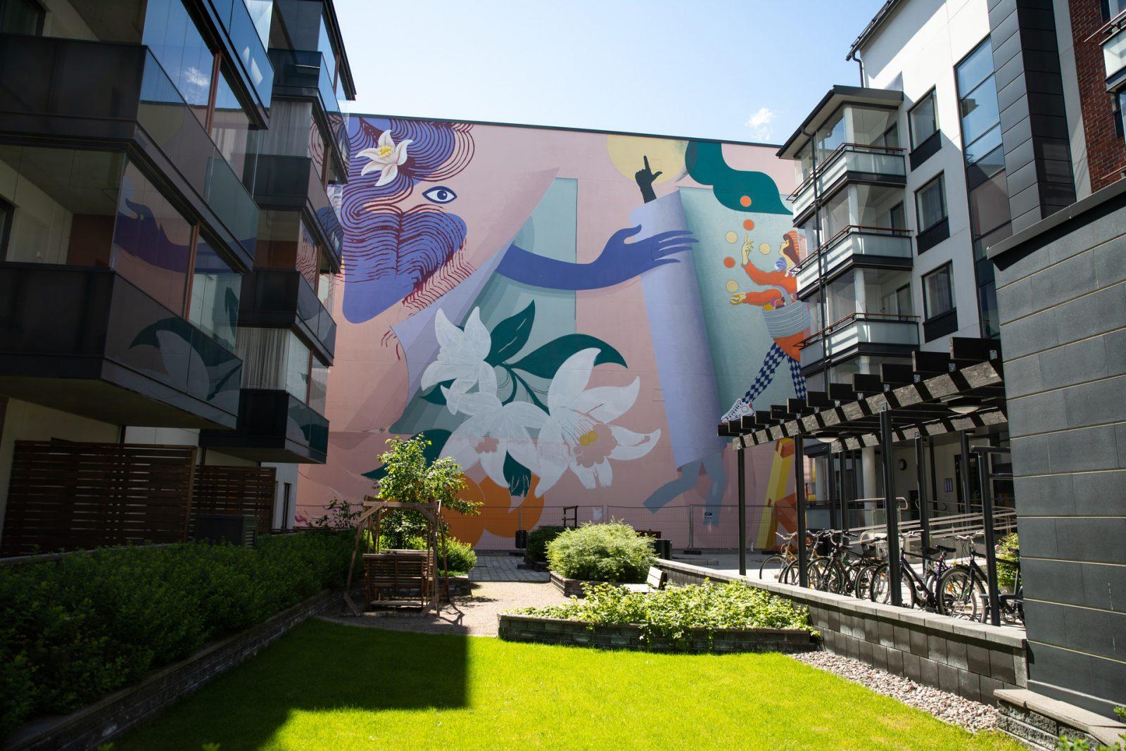 Malskin kulttuurikeskuksen seinään maalattu muraali.