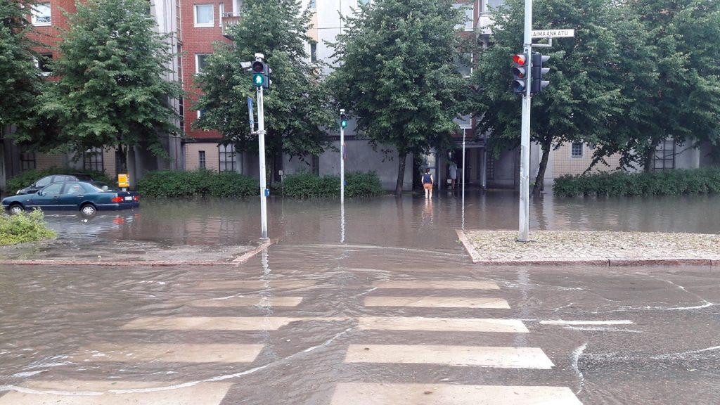 Tulvavesiä Saimaankadulla 1.8.2018.