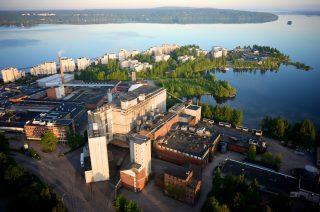 Niemessä toimii Polttimoiden tuotantolaitokset Vesijärven rannalla.
