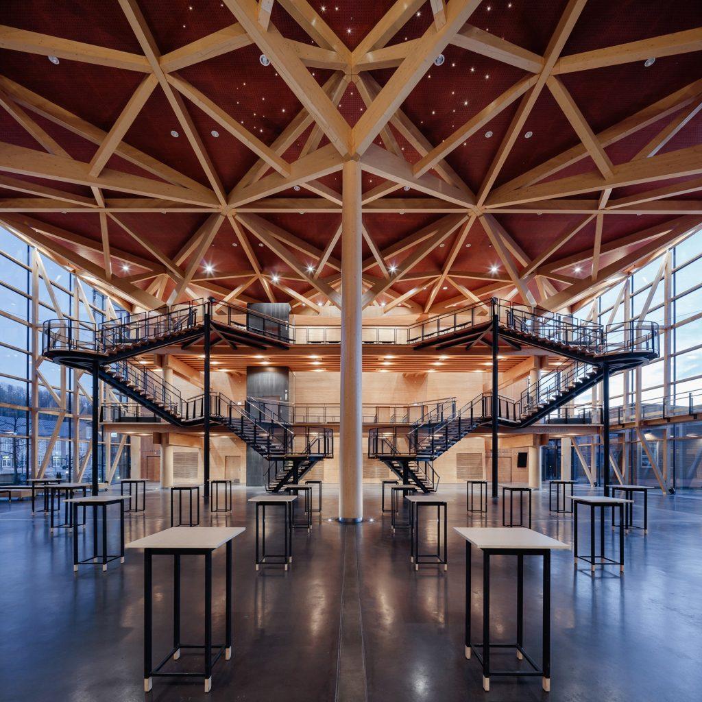 Sibeliustalon Metsähalli on puuarkkitehtuurin taidonnäyte.