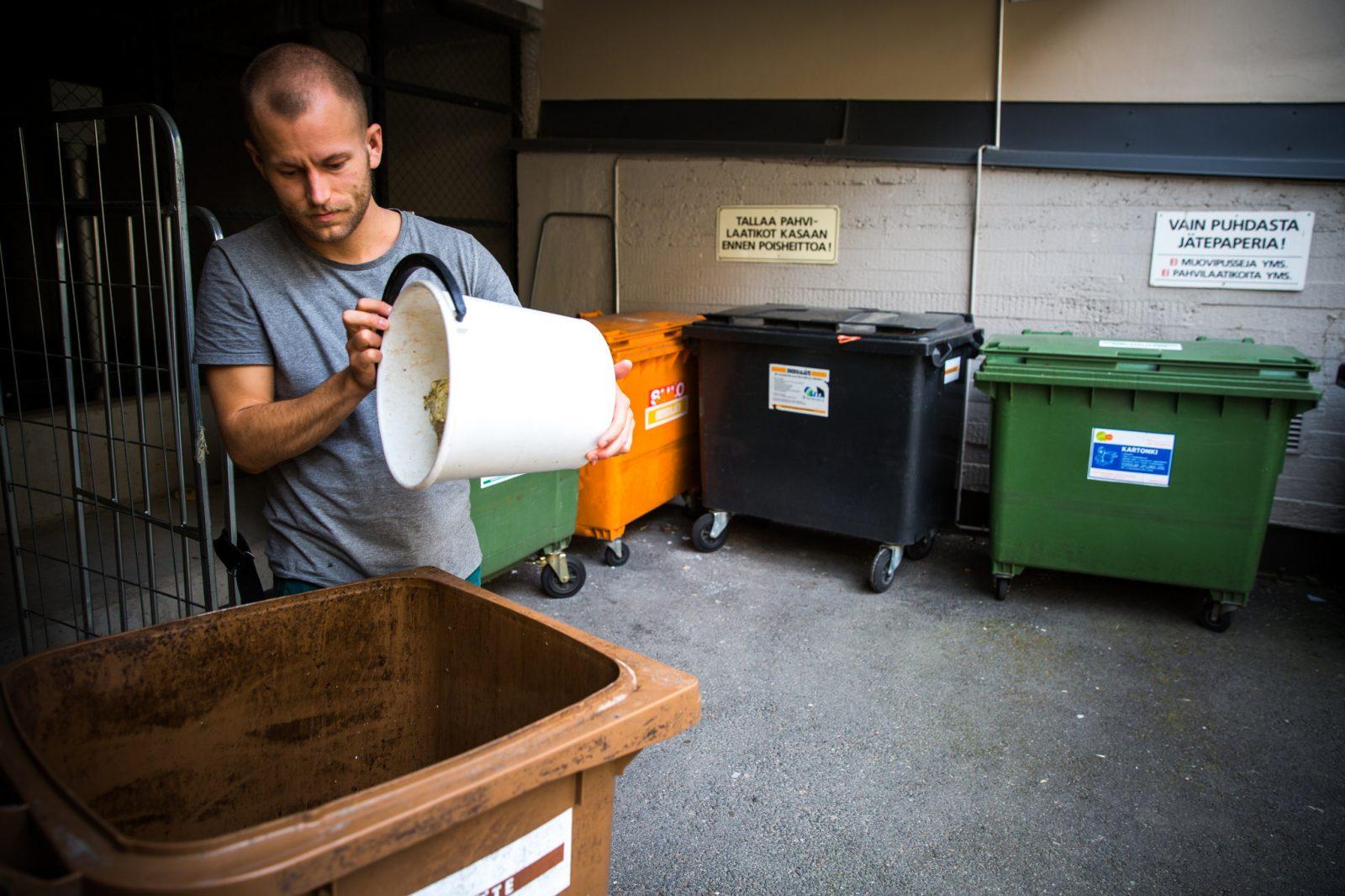 Biojäte tulee kierrättää omaan keräysastiaansa..