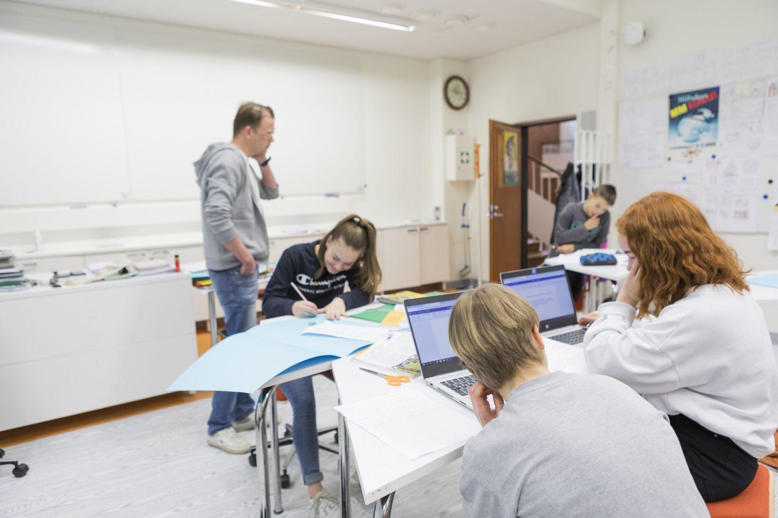 Opiskelua Salppurin peruskoulussa