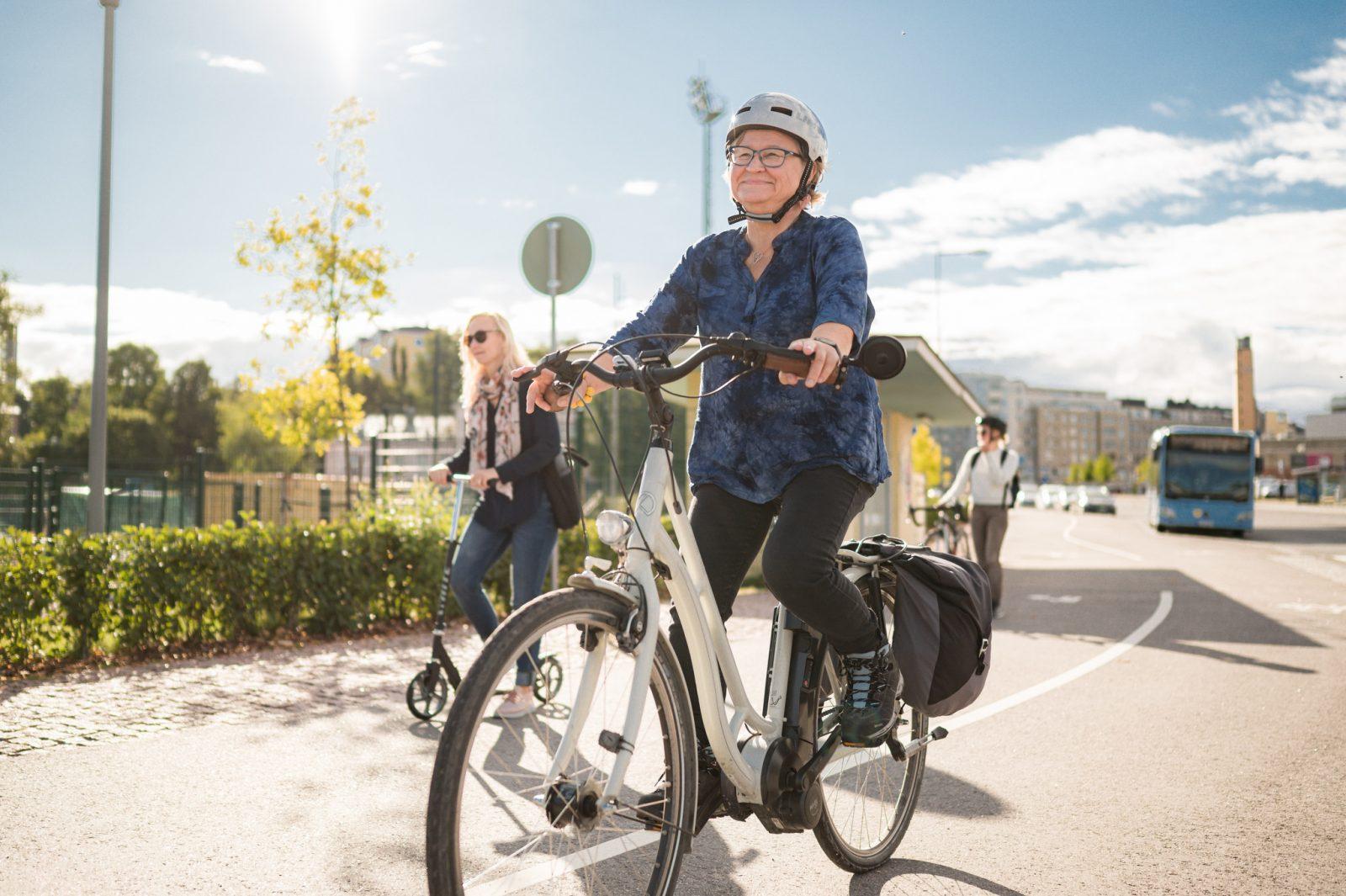 Tutkimuksen mukaan hyvä infrastruktuuri mahdollistaa pitkätkin pyöräilyt.