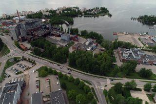 Vesijärven rannassa on tällä hetkellä Polttimon teollisuusrakennuksia.